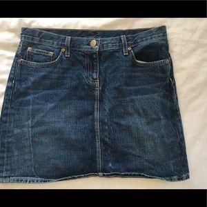 medium wash jcrew jean skirt!!